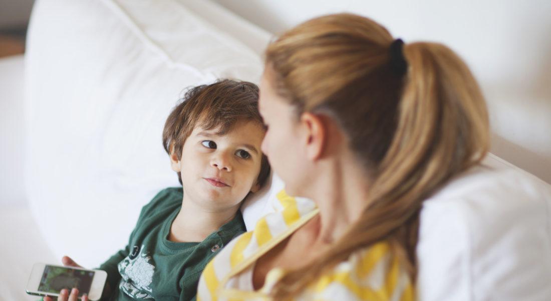 Cómo hablar con un niño en la era de 'El violador eres tú'
